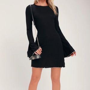 NWT Lulu's Bell Sleeve Black Dress